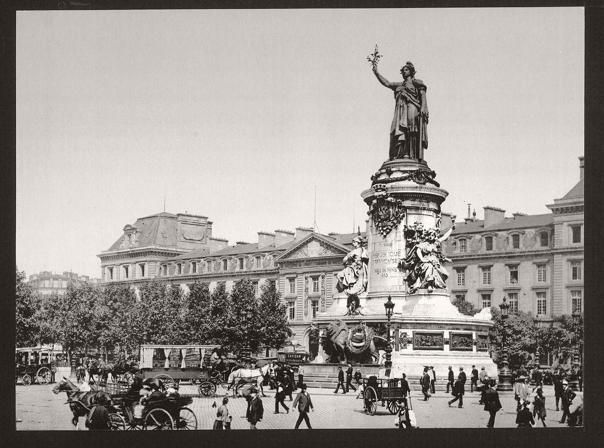 vintage-bw-photos-of-paris-france-late-19th-century-09