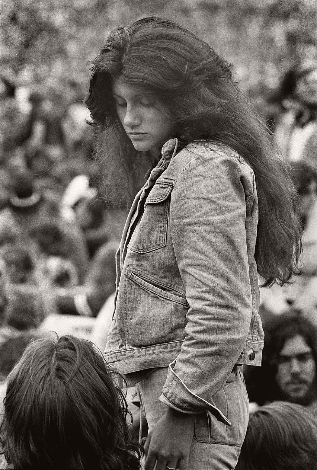 vintage-bw-photos-of-rolling-stones-fans-by-joseph-szabo-1978-02