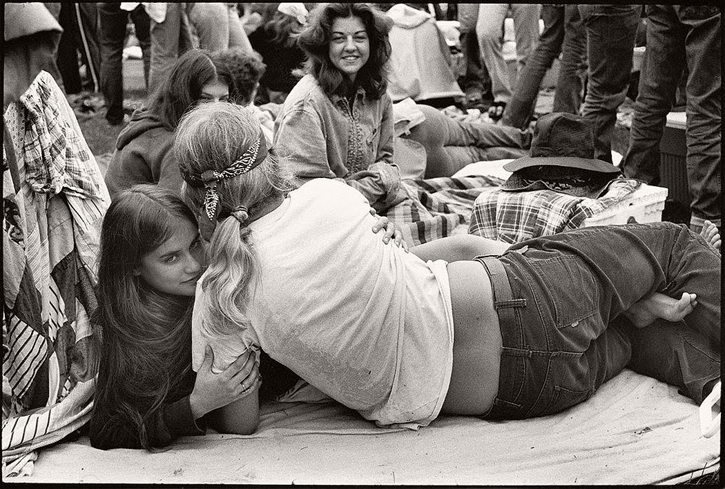vintage-bw-photos-of-rolling-stones-fans-by-joseph-szabo-1978-04
