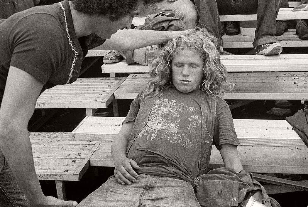 vintage-bw-photos-of-rolling-stones-fans-by-joseph-szabo-1978-09