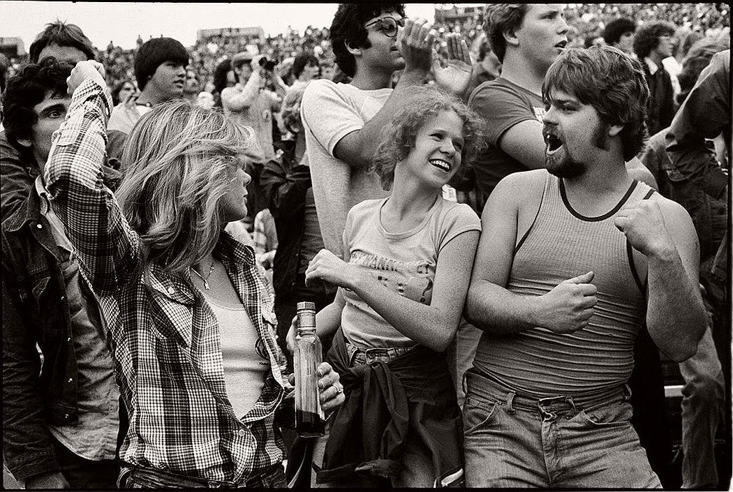 vintage-bw-photos-of-rolling-stones-fans-by-joseph-szabo-1978-11