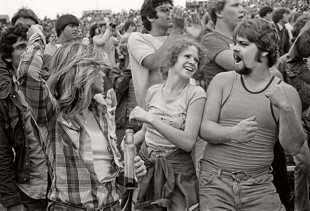 vintage-bw-photos-of-rolling-stones-fans-by-joseph-szabo-1978-13