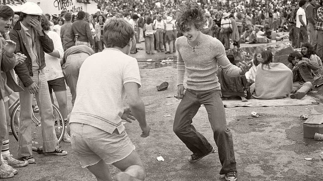 vintage-bw-photos-of-rolling-stones-fans-by-joseph-szabo-1978-14