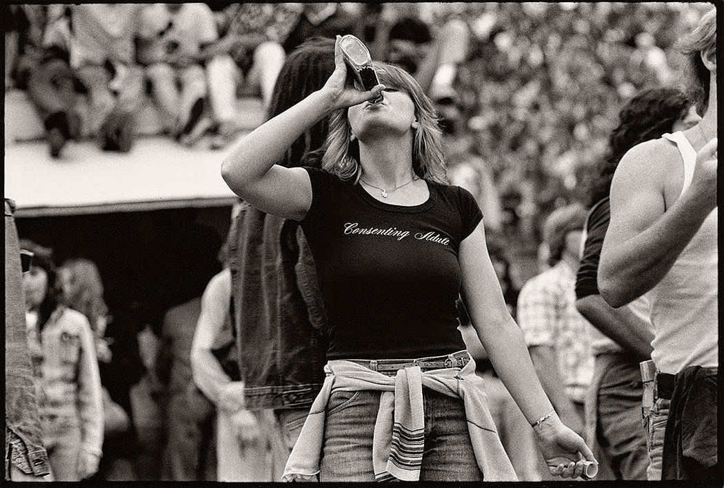 vintage-bw-photos-of-rolling-stones-fans-by-joseph-szabo-1978-20