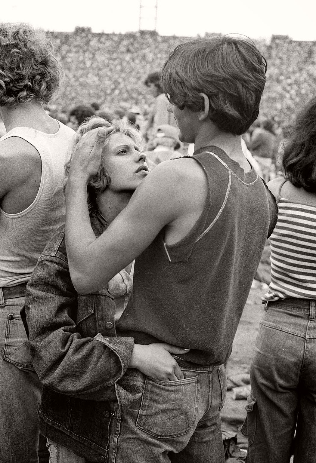 vintage-bw-photos-of-rolling-stones-fans-by-joseph-szabo-1978-22