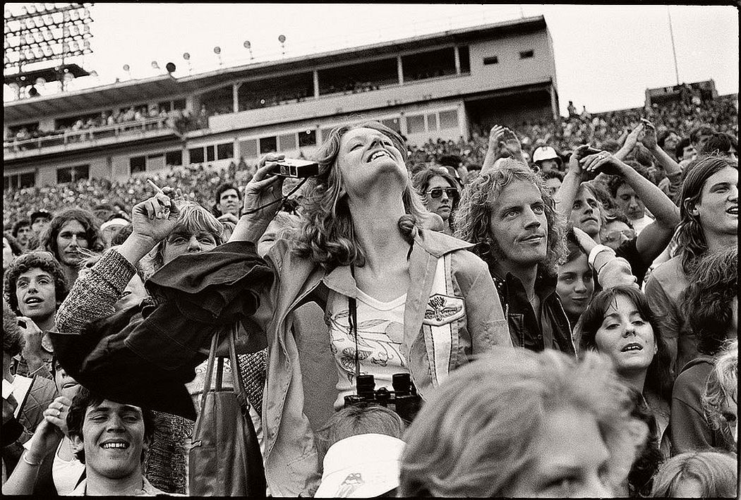 vintage-bw-photos-of-rolling-stones-fans-by-joseph-szabo-1978-24