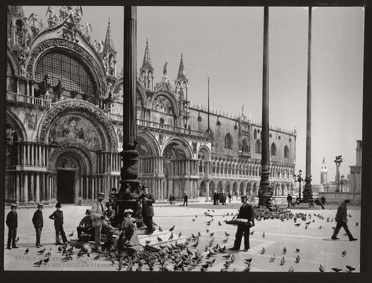 vintage-bw-photos-of-venice-italy-in-19th-century-01