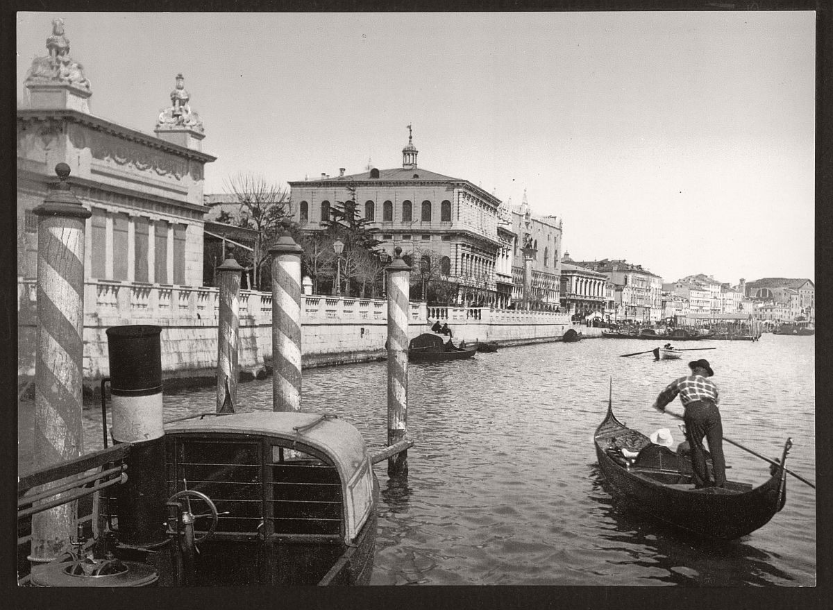 Vintage b w photos of venice italy 19th century for Italy b b