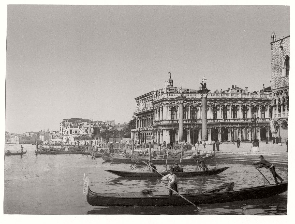 vintage-bw-photos-of-venice-italy-in-19th-century-15