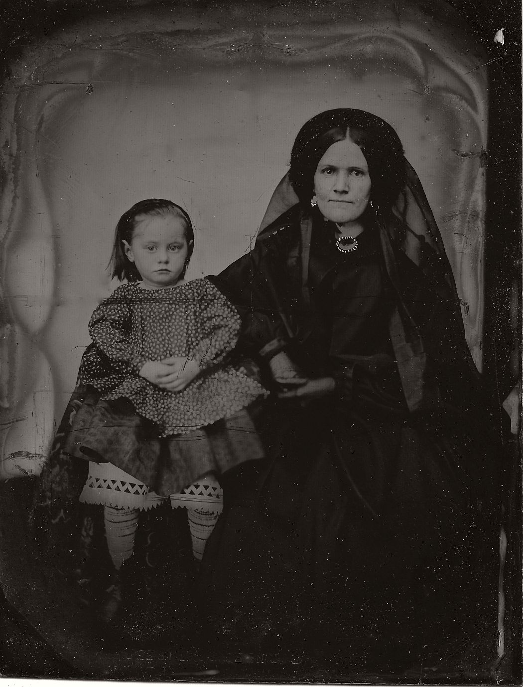 vintage-daguerreotypes-of-widows-in-mourning-victorian-era-1800s-06