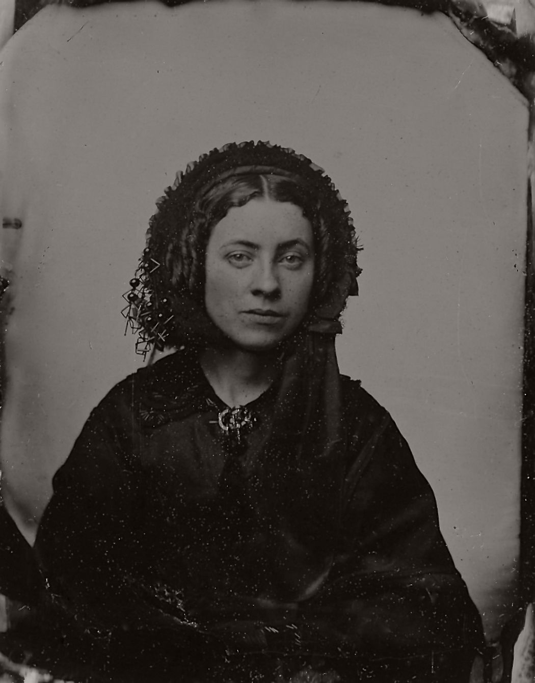 vintage-daguerreotypes-of-widows-in-mourning-victorian-era-1800s-46