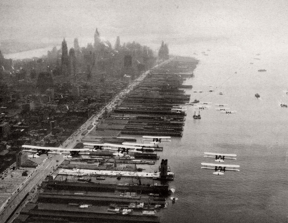 vintage-historic-new-york-city-black-white-in-1932-01