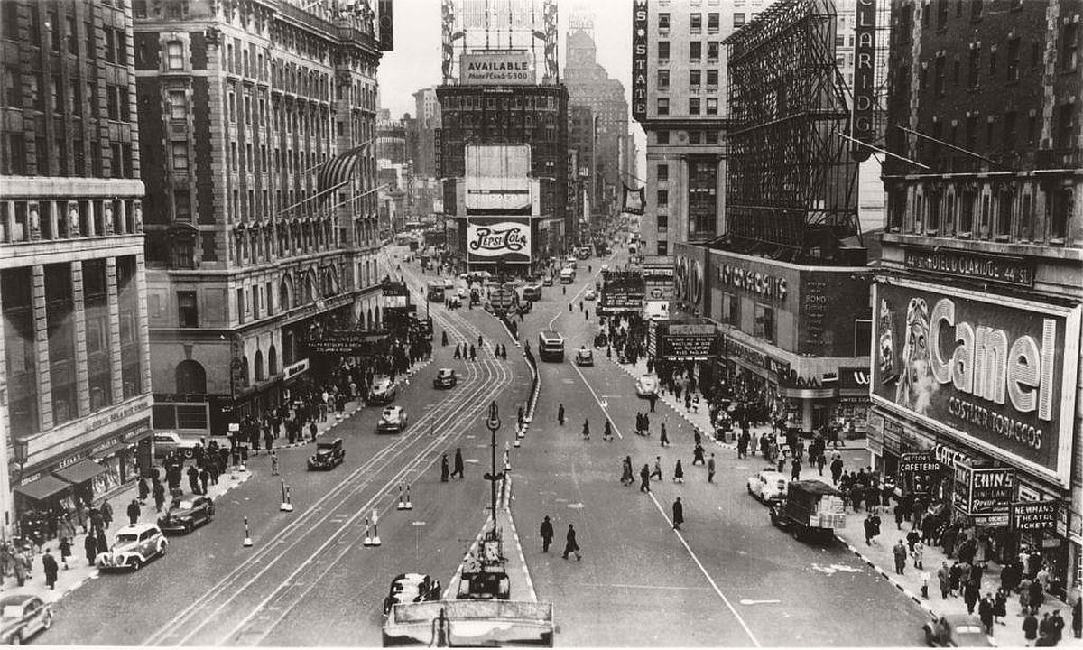vintage-historic-new-york-city-black-white-in-1948-06