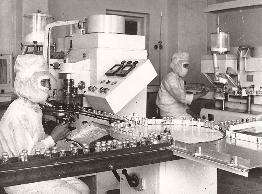 vintage-north-korea-industries-factory-1972-bw-01