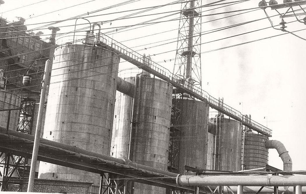 vintage-north-korea-industries-factory-1972-bw-03