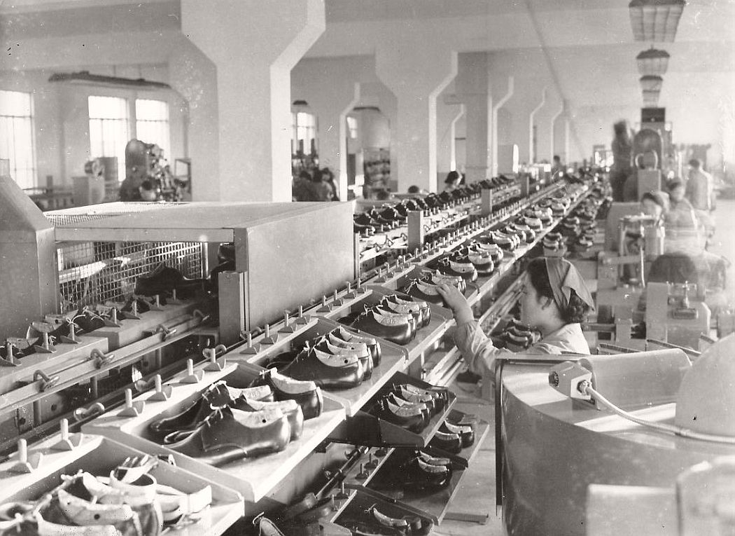 vintage-north-korea-industries-factory-1972-bw-06