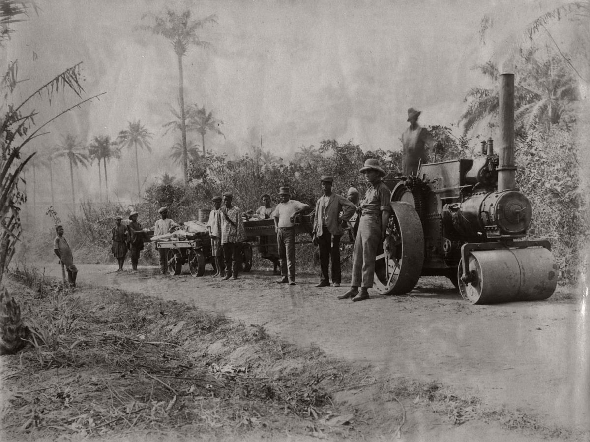 vintage-photo-west-africa-village-people-1910-1913-lagos-nigeria-04