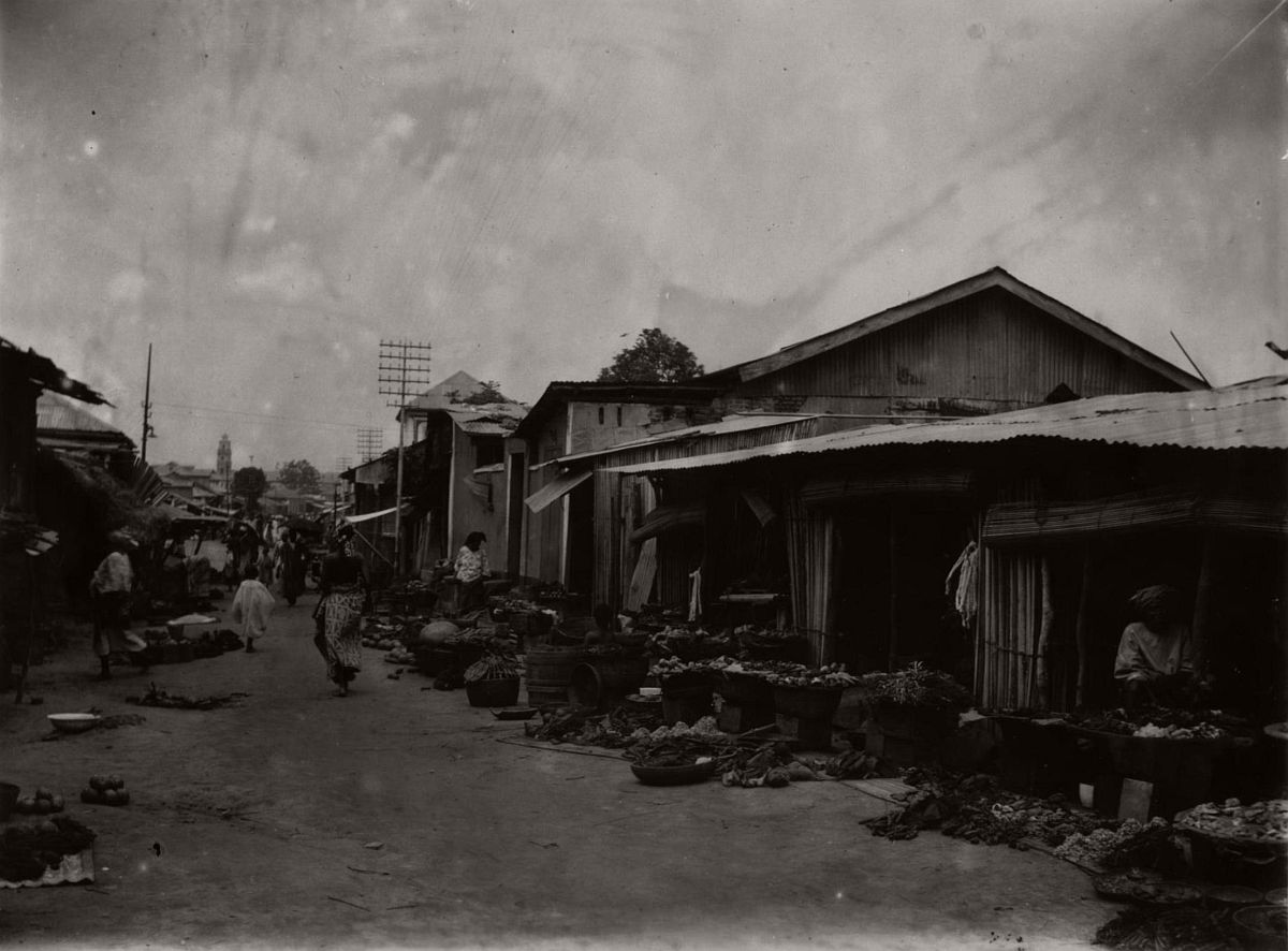 vintage-photo-west-africa-village-people-1910-1913-lagos-nigeria-06