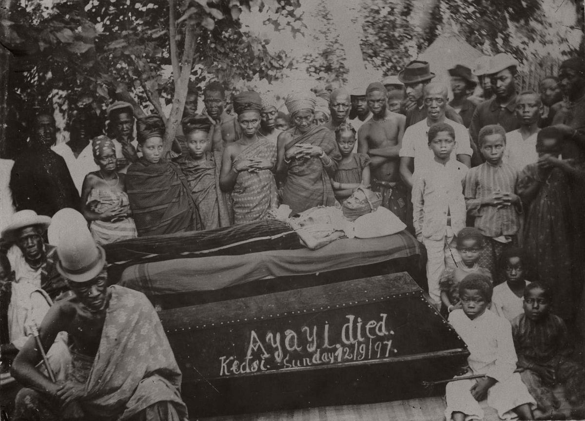 vintage-photo-west-africa-village-people-1910-1913-lagos-nigeria-08