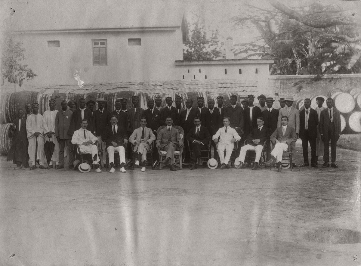 vintage-photo-west-africa-village-people-1910-1913-lagos-nigeria-10
