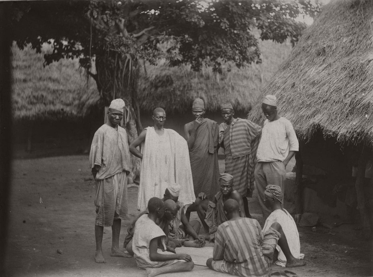 vintage-photo-west-africa-village-people-1910-1913-lagos-nigeria-13