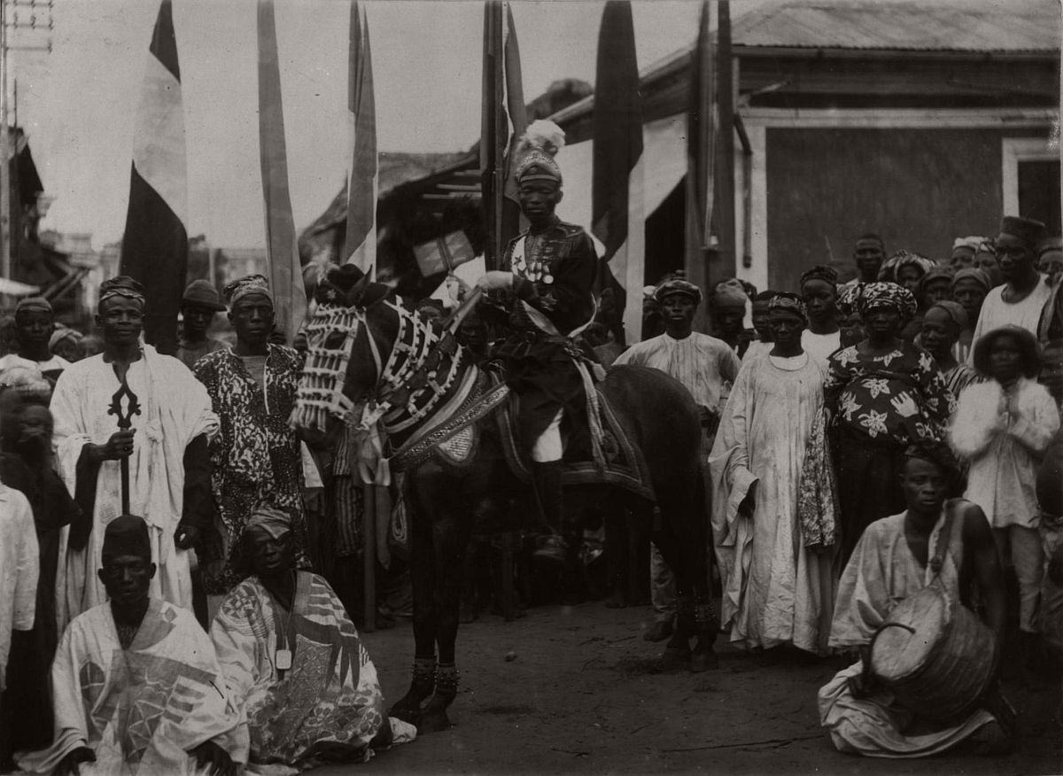 vintage-photo-west-africa-village-people-1910-1913-lagos-nigeria-16