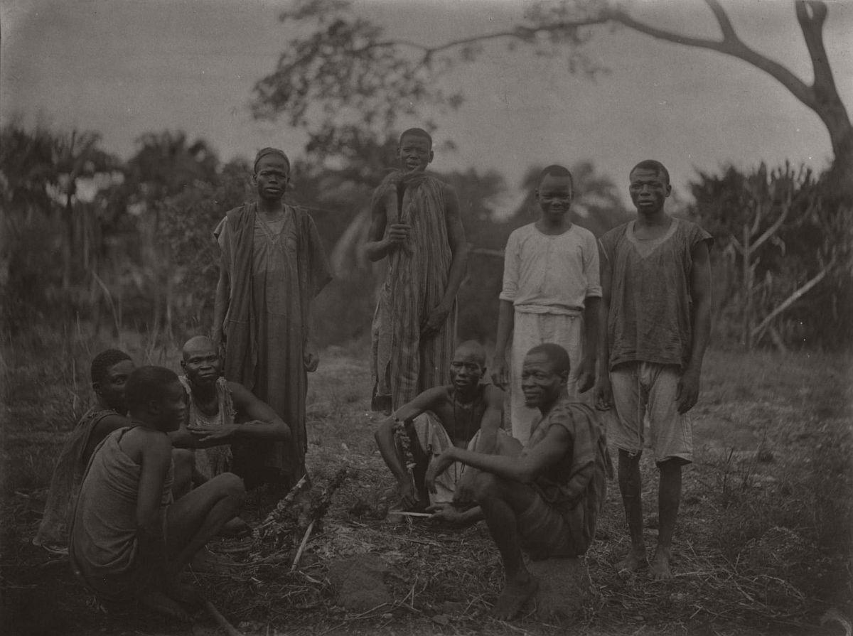 vintage-photo-west-africa-village-people-1910-1913-lagos-nigeria-23