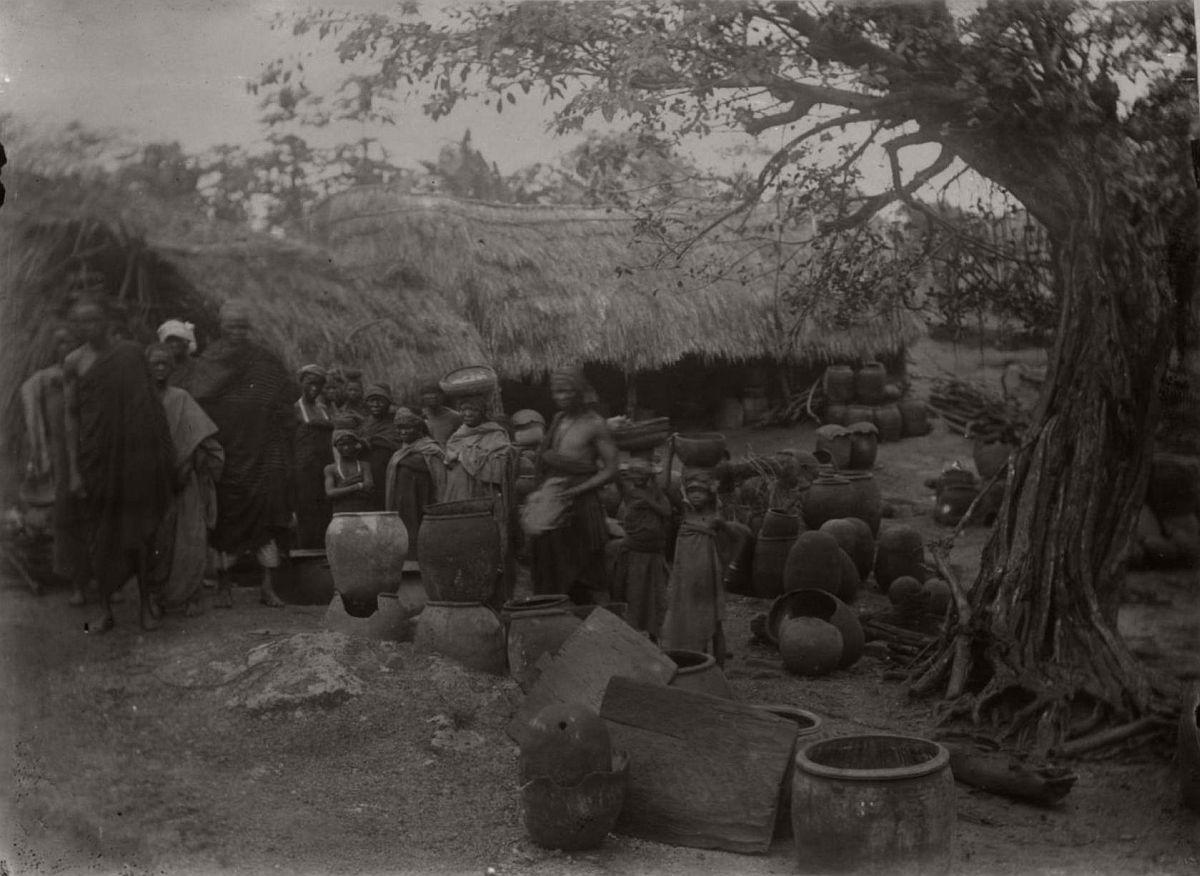 vintage-photo-west-africa-village-people-1910-1913-lagos-nigeria-24