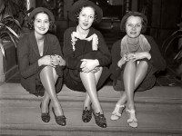 Vintage photos of Models before New York Fashion Week (1930s)