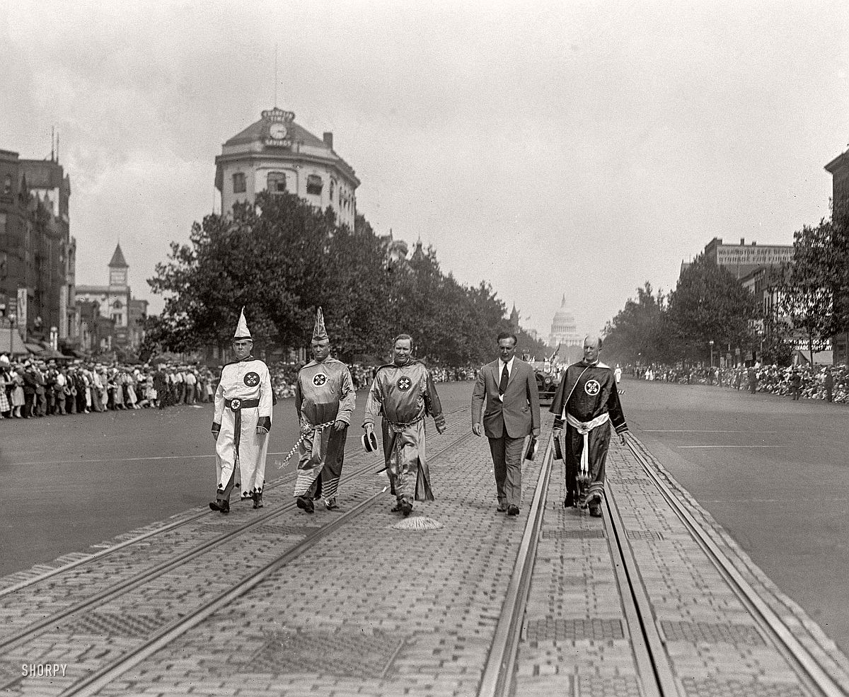 vintage-ku-klux-klan-parade-in-1920s-06