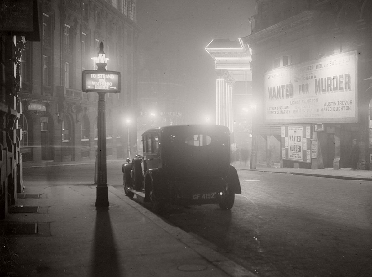 mist london 1952 churchill