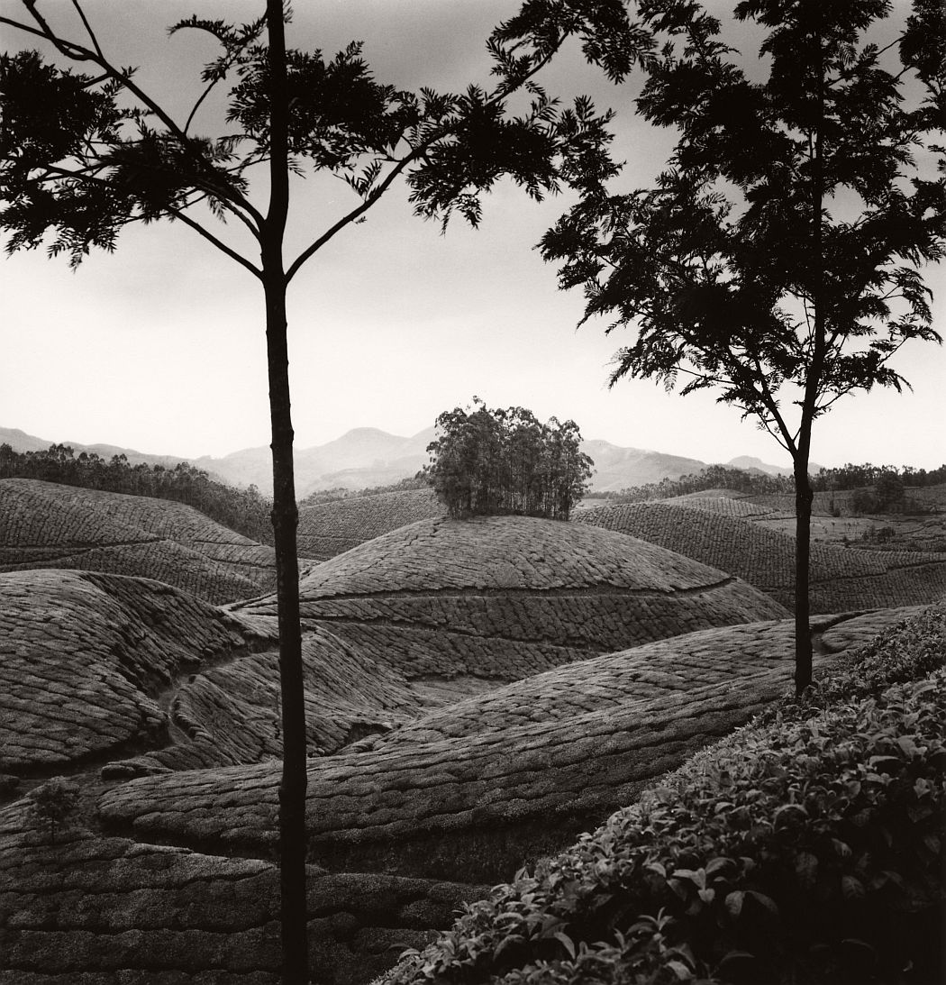 michael-kenna-between-mountains-lakes-08