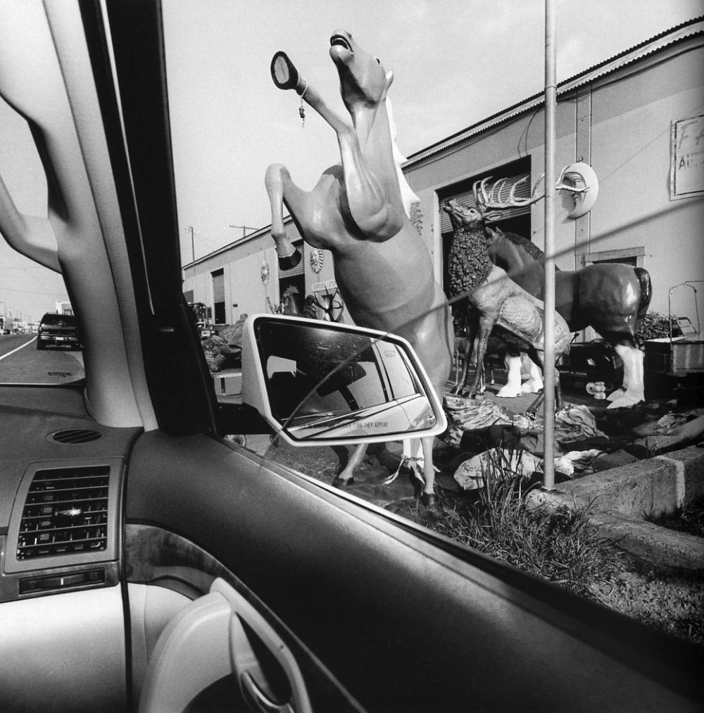 Lee-Friedlander-America-by-Car-09