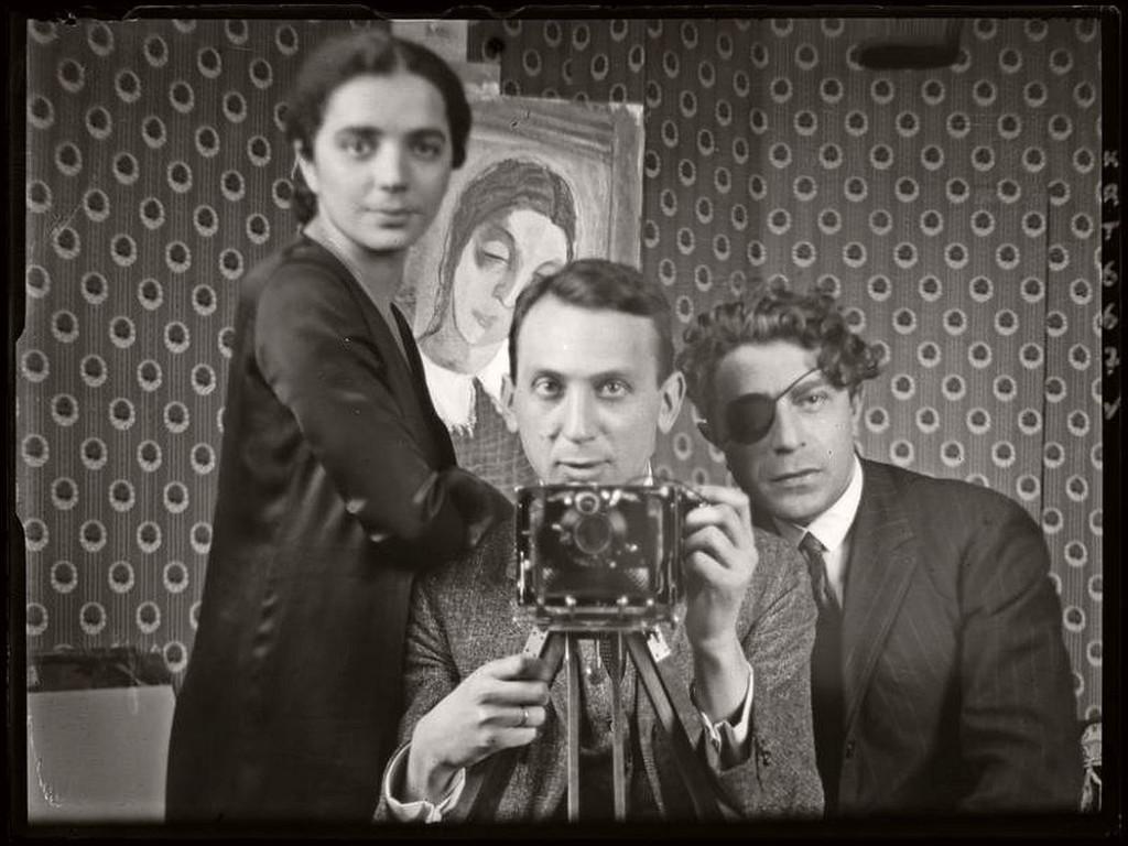 10 B&W photos of Famous Photographer's Self-portraits