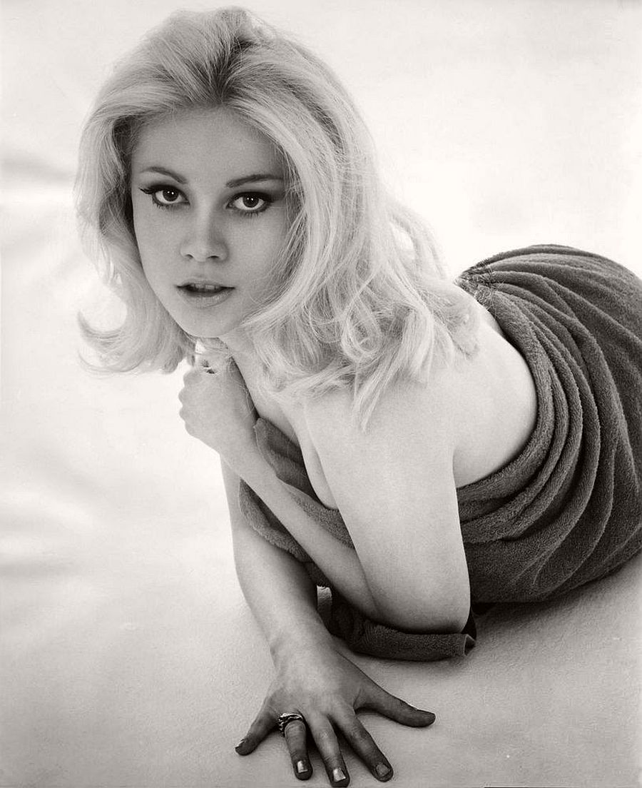 Lisa Jak-hollywood-actresses-top-20-hottest-1960s-in-bw