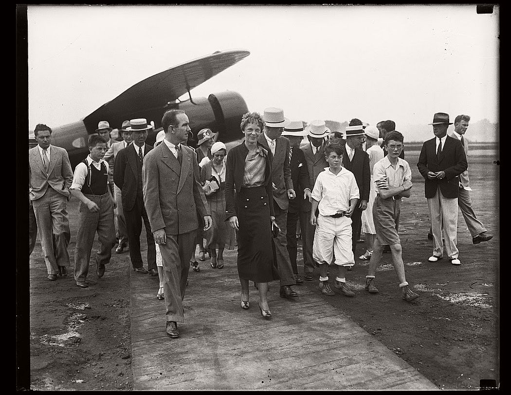 aviator-amelia-earhart-vintage-1920s-and-30s-01
