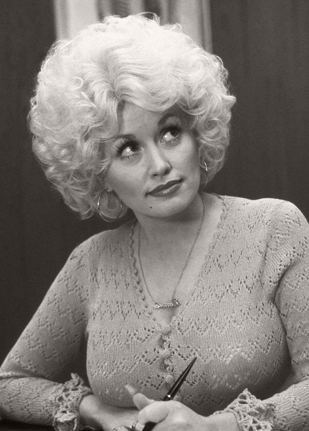 dolly-parton-in-the-1970s-vintage-portraits-02