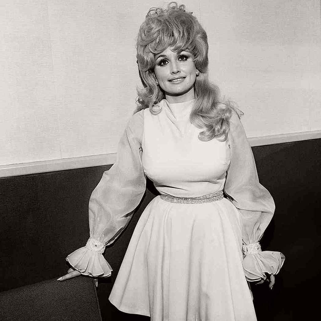 dolly-parton-in-the-1970s-vintage-portraits-09