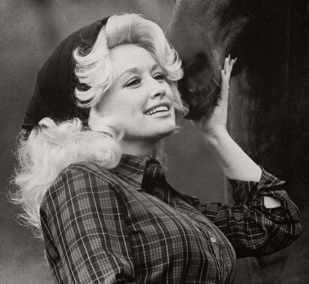 dolly-parton-in-the-1970s-vintage-portraits-10
