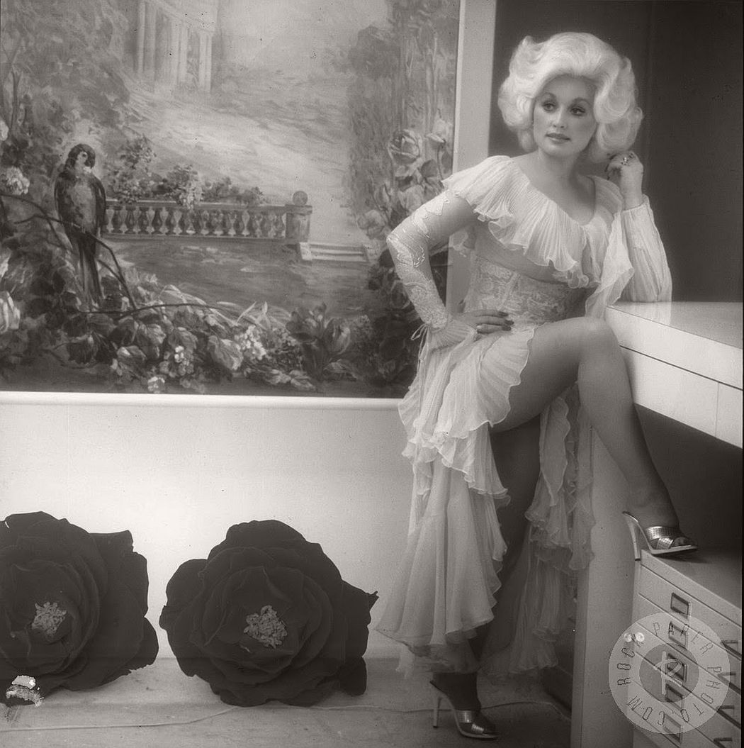 dolly-parton-in-the-1970s-vintage-portraits-11