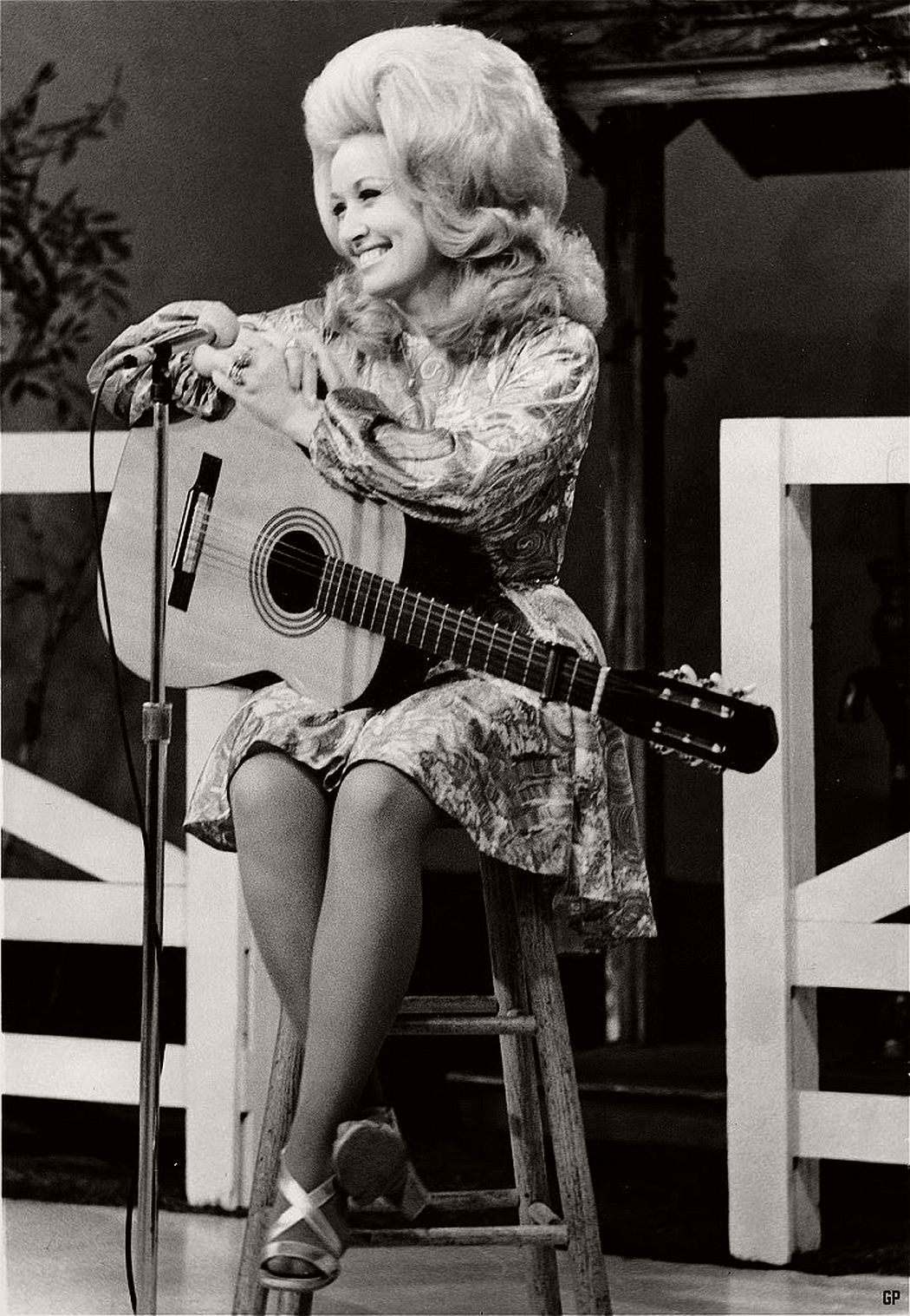 dolly-parton-in-the-1970s-vintage-portraits-12