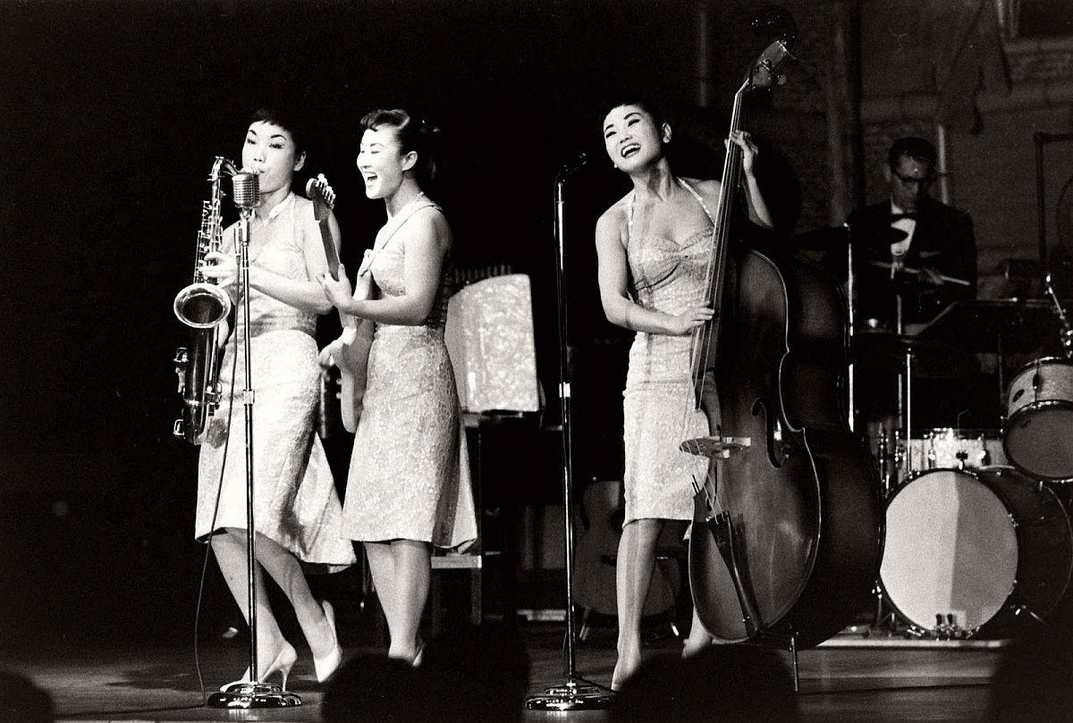 the-kim-sisters-in-las-vegas-1960-vintage-00