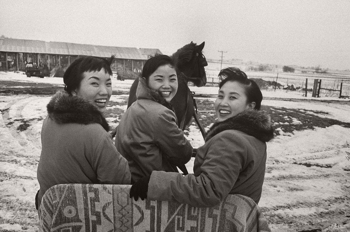 the-kim-sisters-in-las-vegas-1960-vintage-04
