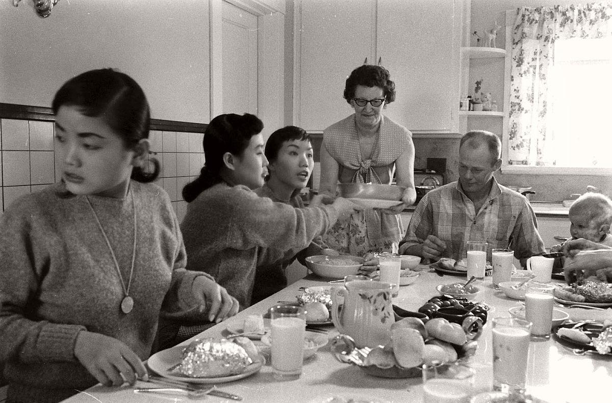 the-kim-sisters-in-las-vegas-1960-vintage-08