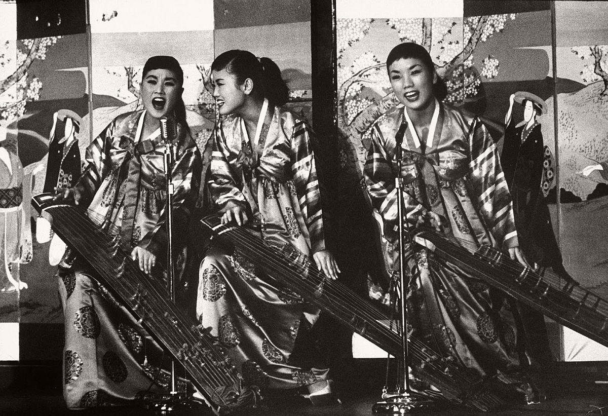 the-kim-sisters-in-las-vegas-1960-vintage-15