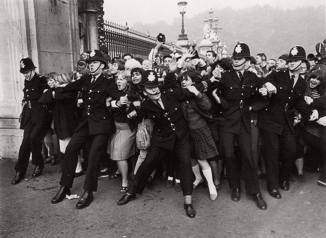 vintage-beatlemania-1960s-the-beatles-01