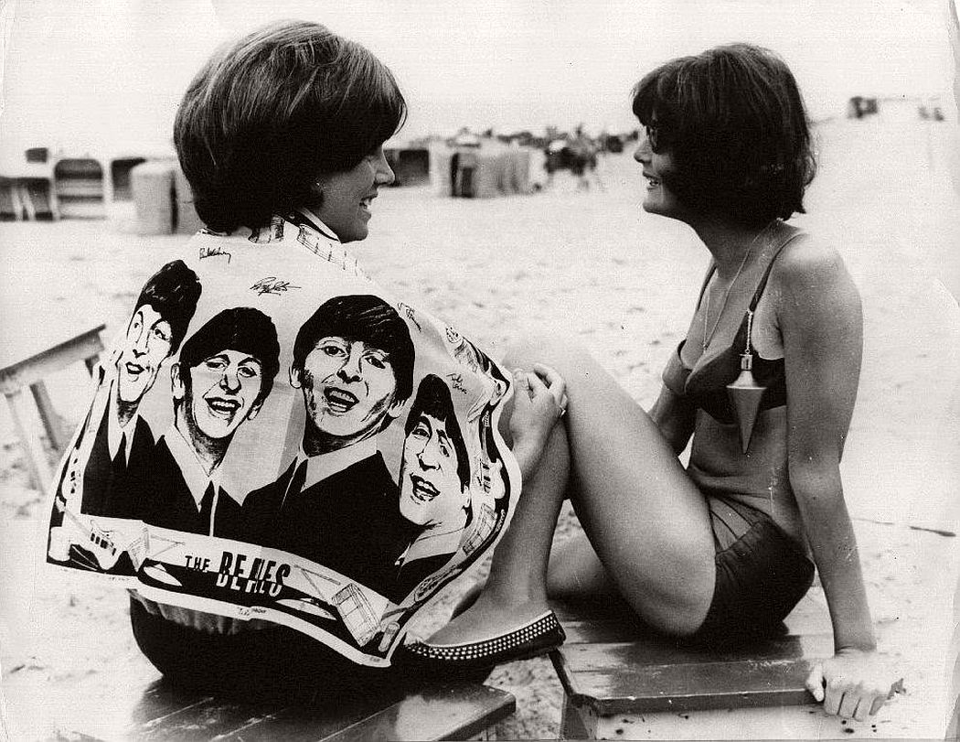 vintage-beatlemania-1960s-the-beatles-06