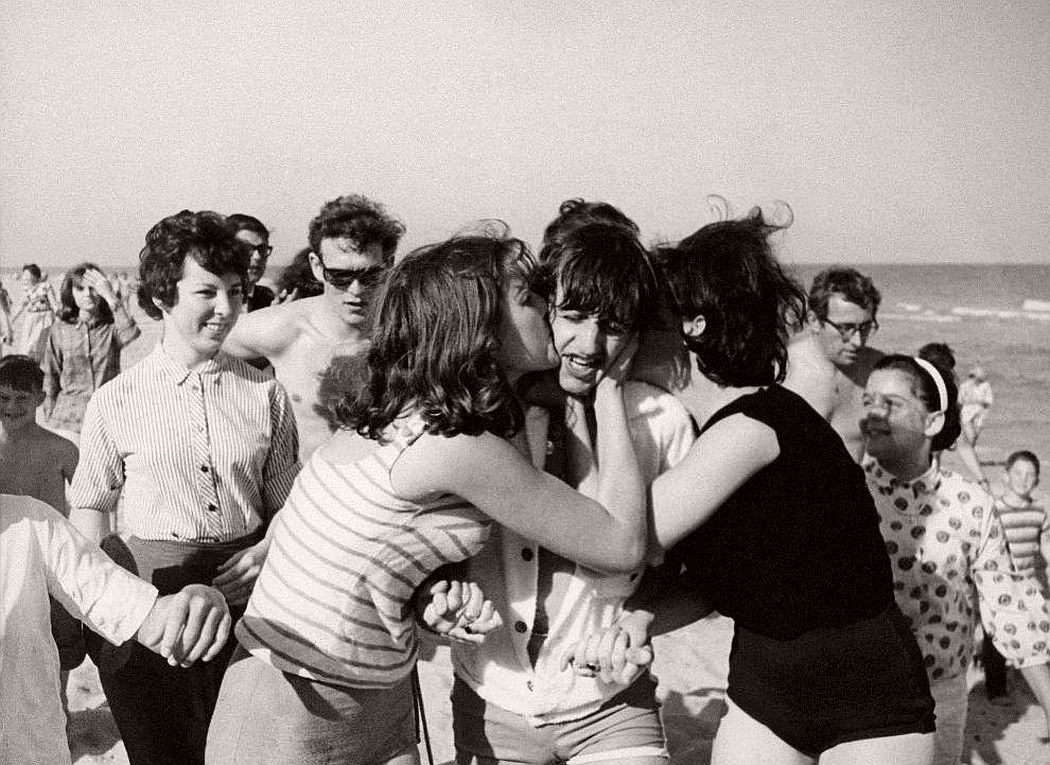 vintage-beatlemania-1960s-the-beatles-07