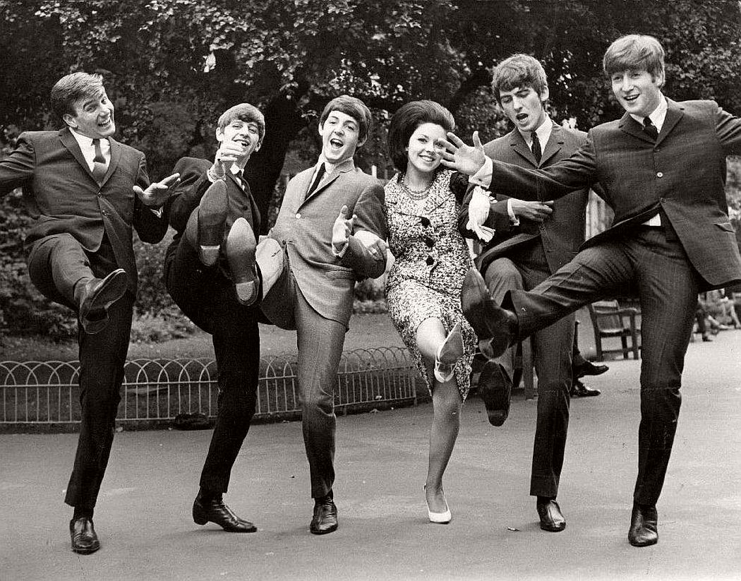 vintage-beatlemania-1960s-the-beatles-08