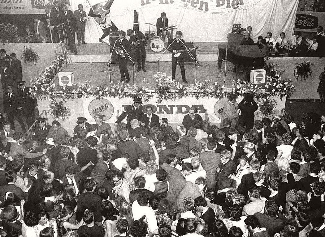 vintage-beatlemania-1960s-the-beatles-15